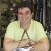 Olivier Joly, gérant du magasin Zone Bleue.
