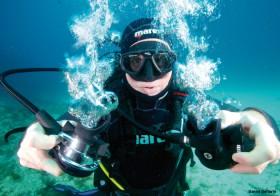 Un plongeur et ses détendeurs